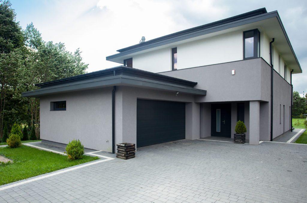 how to choose garage door